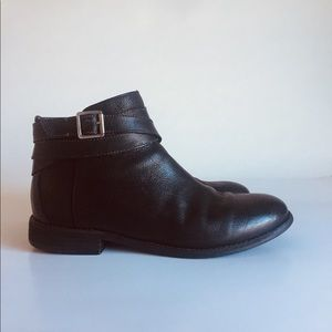 Clarks Black Leather Ankle Boots size 8.5M